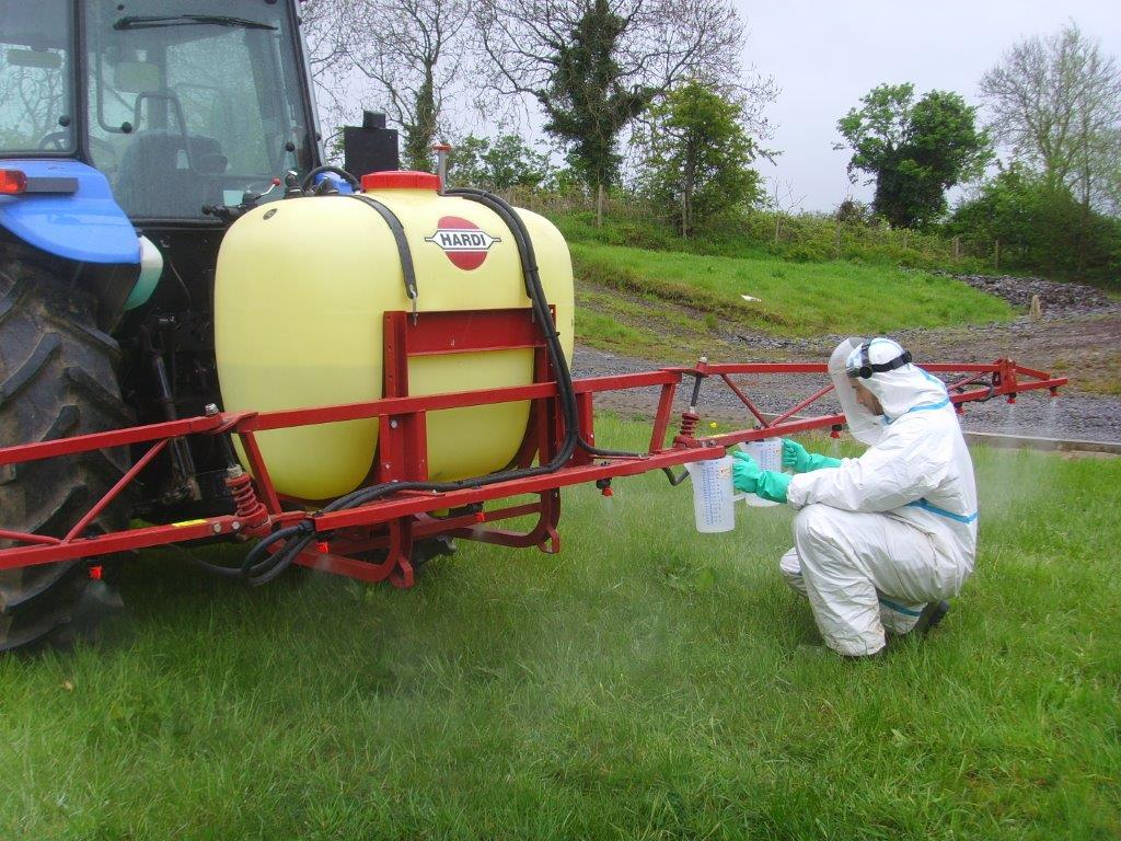Boom Sprayers For Tractors : The clock is ticking on grandfathers rights for pesticide