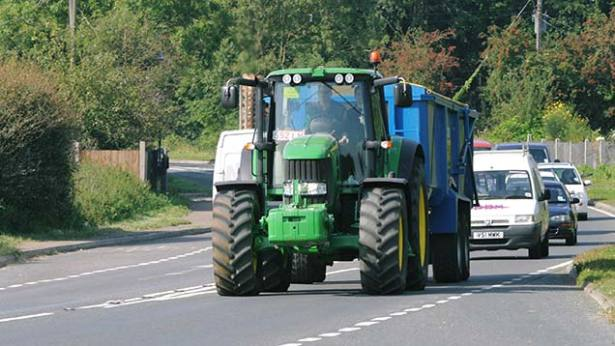 Over The Road Tractors : Red alert on new road regulations for tractors med
