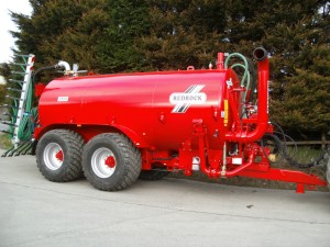 Redrock's 3500 gallon slurry tanker with trailing shoe.