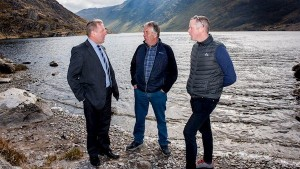 Michael Creed TD, Minister for Agriculture Food and the Marine talks to pilot farmers Padraig Connell, from Waterville and Colm Gavin from Leenane at the launch of the Pearl Mussel EIP Scheme at Glenbeg Lake, Ardgroom on the Bears Peninsula. Picture: Maxwells