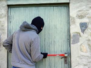 Burglar 1280x0_lopov-pixabay-thedigitalway